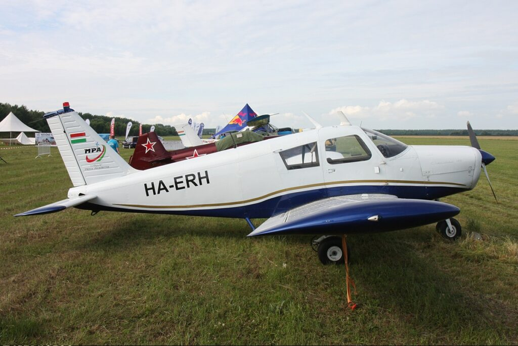 HA-ERH Piper 28 aircraft