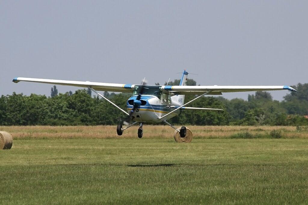 HA-SKD Cessna 172